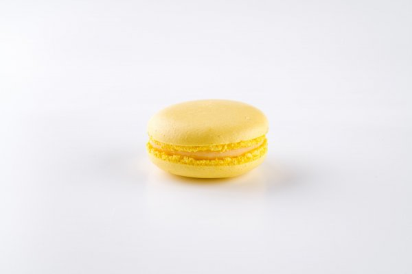 Macaroon Passion fruit