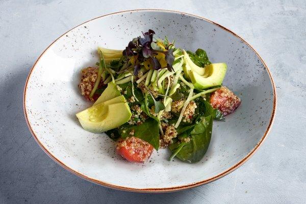 Bowl with avocado and quinoa