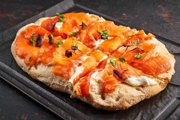 Pizzetta with salmon