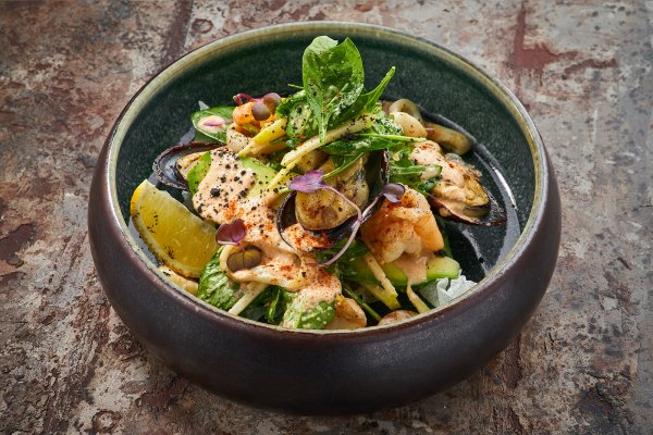 Crispy seafood salad